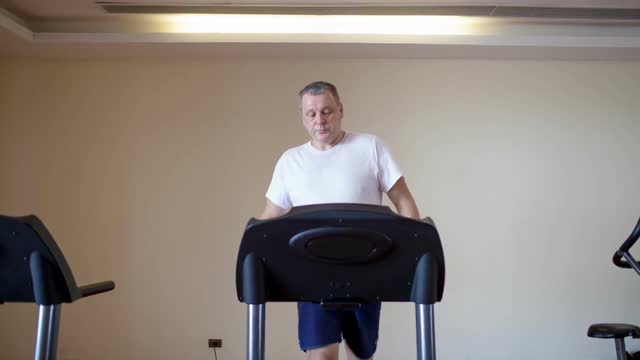 middle-age-men-workout