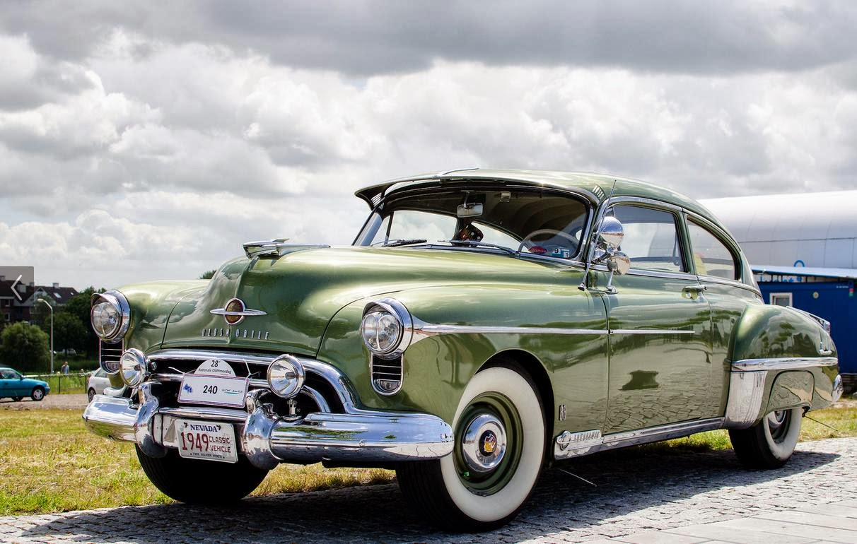 1949-oldsmobile-rocket-88