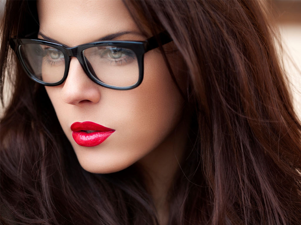 Nothing Is Sexier Than A Woman With Glasses | The Old Man Club