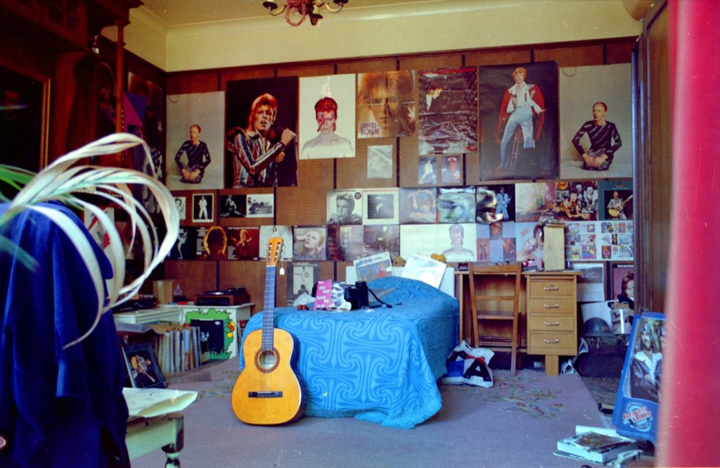 10 bedroom wall posters that everyone had growing up in