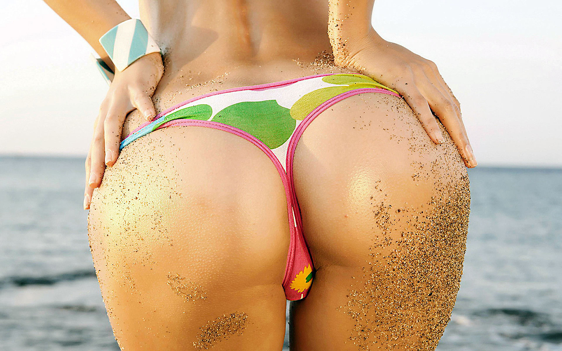 Its Fat Bottom Friday And Here Are 50 Reasons To Celebrate