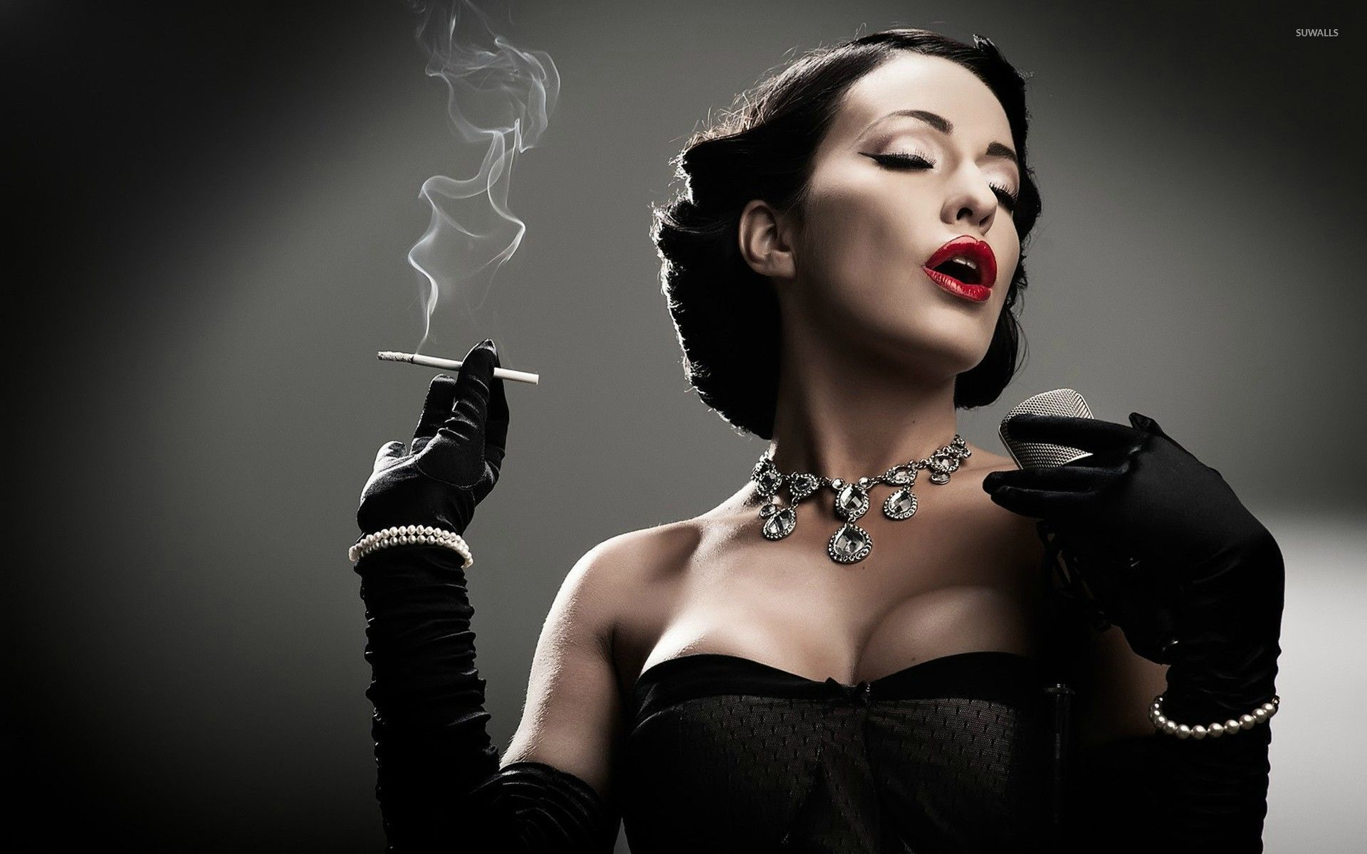 Pin Up Model Dita Von Teese Is An Absolute Knockout