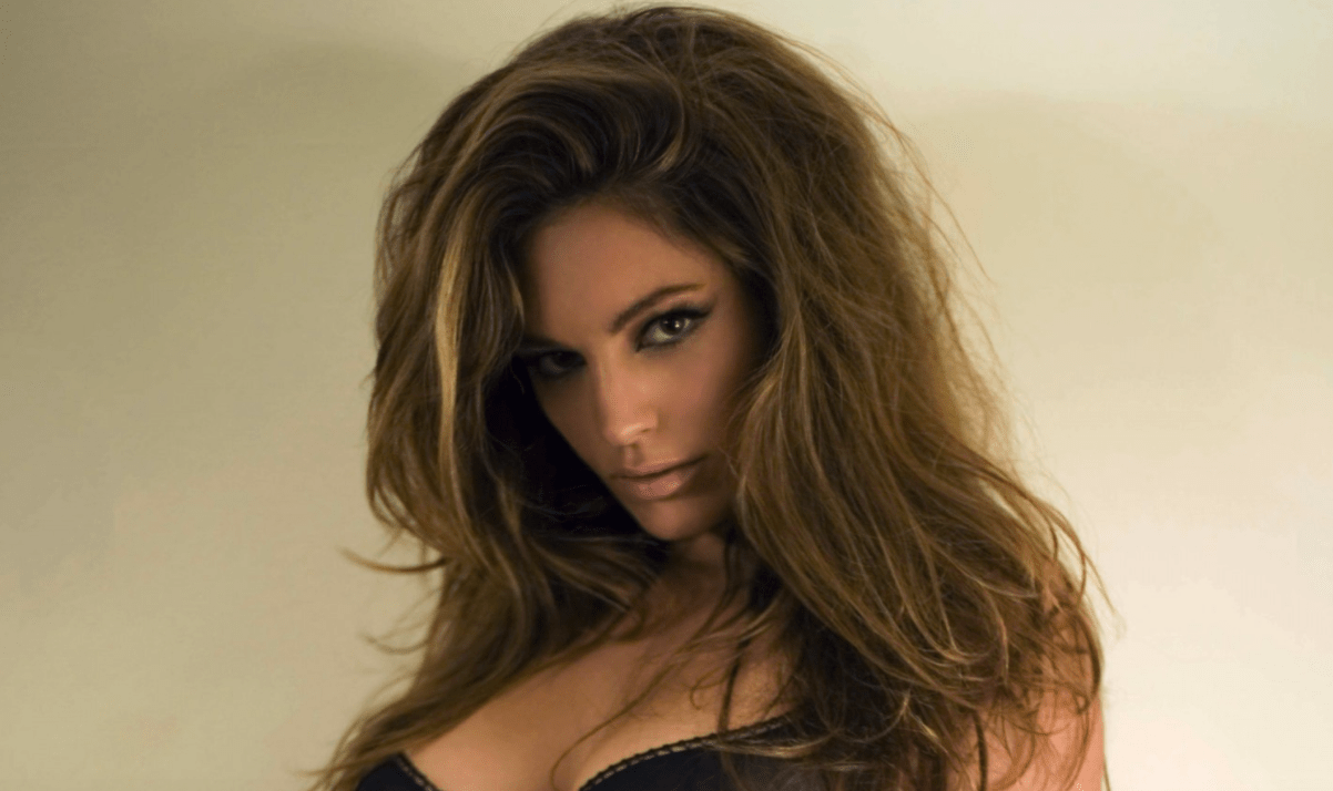 Hot Babes Of The Week