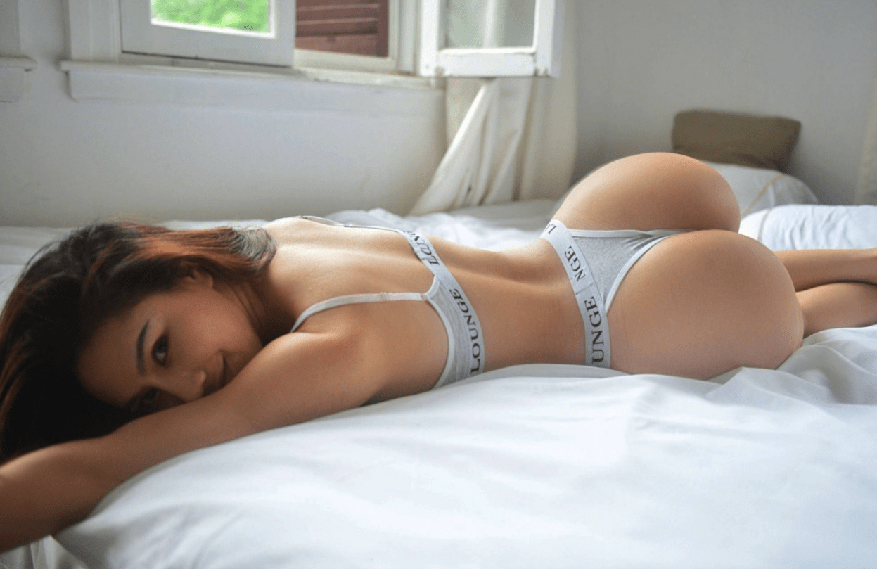 Sexy Girls Of The Month