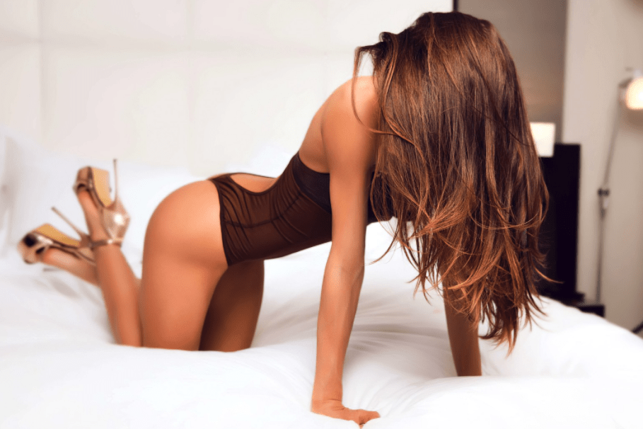 These Hot Chicks Will Have You Weak In The Knees