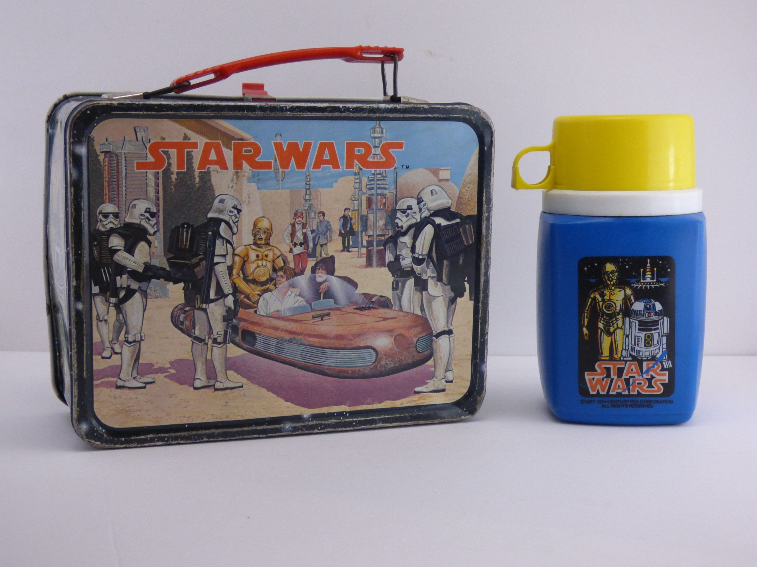 These Lunch Boxes Are Memory Triggers For '70s Kids